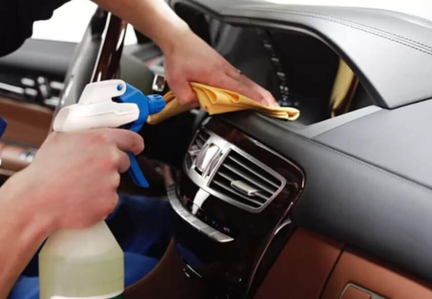Обработка и чистка салона автомобиля