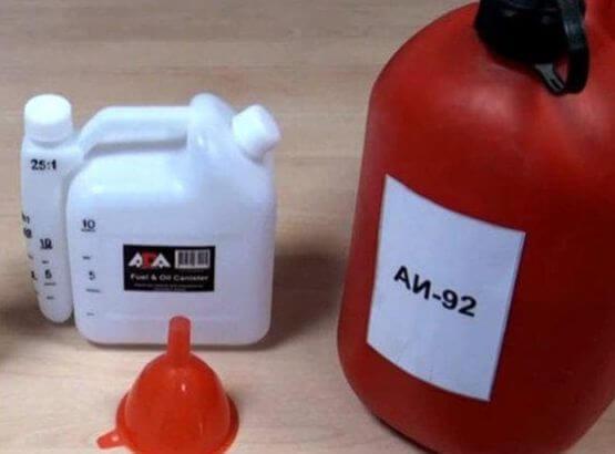 Как разбавлять масло с бензином для бензопилы