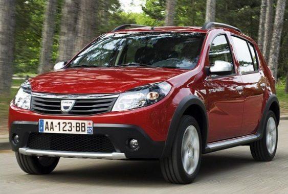 Автомобиль Dacia Sandero