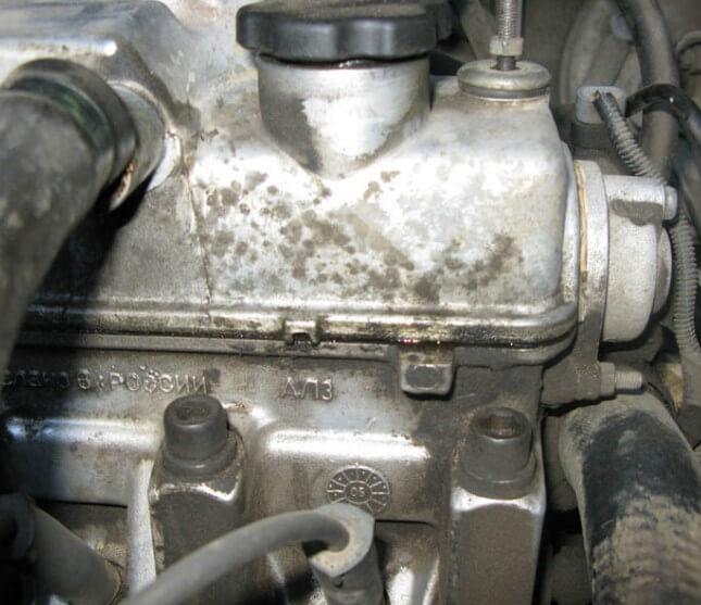 Куда уходит масло из двигателя автомобиля
