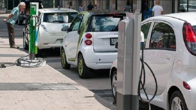 Электромобили или автомобили с ДВС?