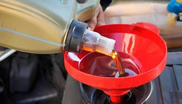 Какое масло можно подлить в мотор