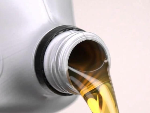 Годовой пробег у машины небольшой, можно ли реже менять масло?