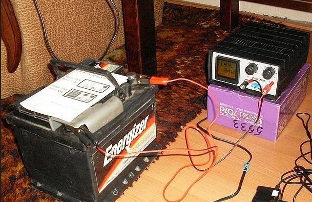 Зарядка автомобильного аккумулятора зарядным устройство, как это сделать правильно
