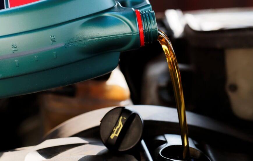 Мифы про моторные масла, в которые верить нельзя