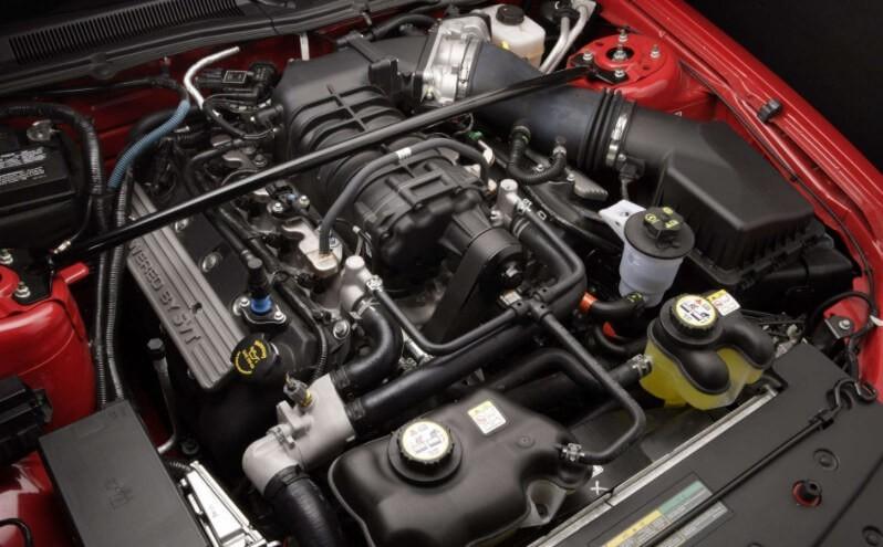 В двигателе нового автомобиля появляется зола, откуда она берется?